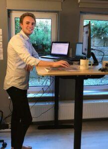 Moritz bereitet sich für den Vortrag vor.